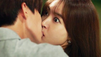 Song-Jae-Rim-Hwang-Seung-Eon-Kiss-Thumping-Spike