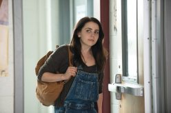 Bianca-Mae-Whitman-in-her-everyday-school-clothes
